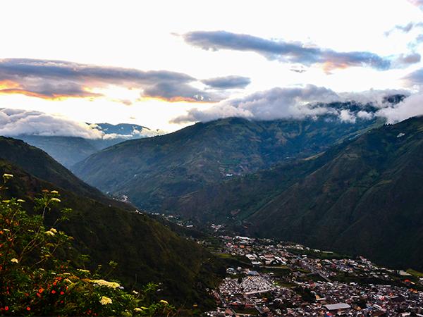 Эквадор. Анды. Баньос. закат