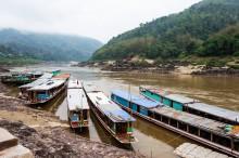 Лаос-Луанг-Прабанг-лодка-2