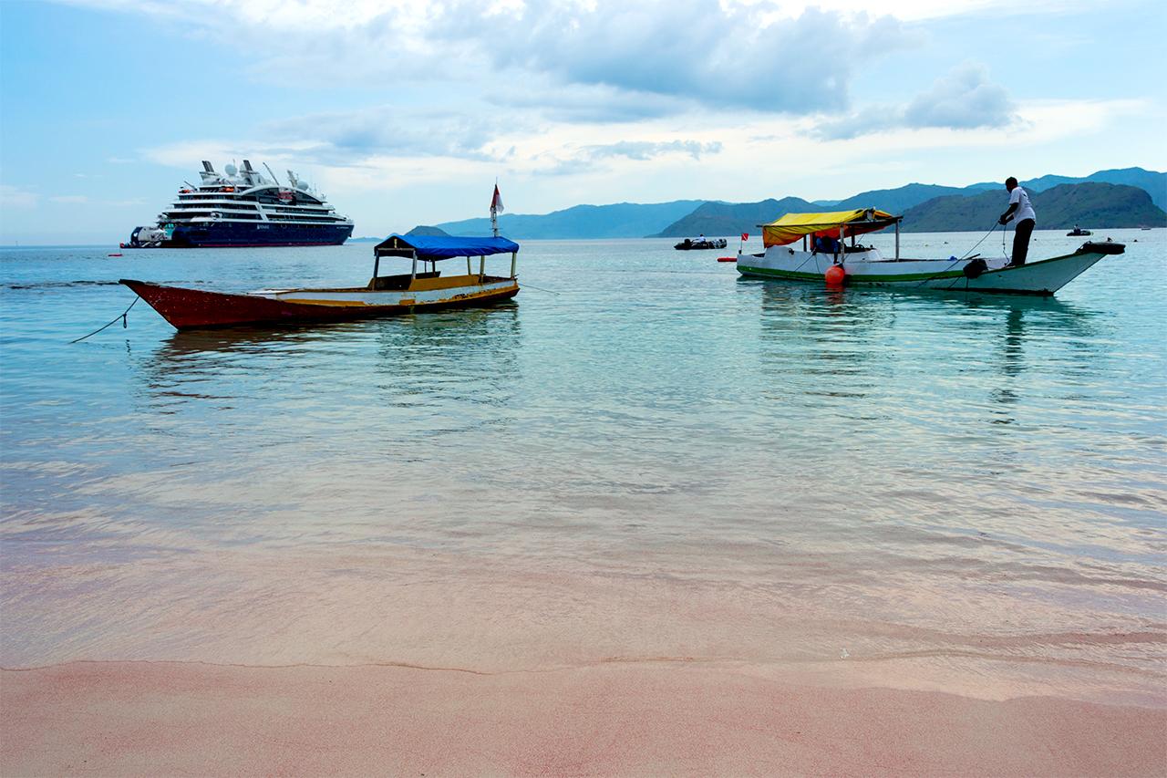 розовый-пляж-индонезия-02