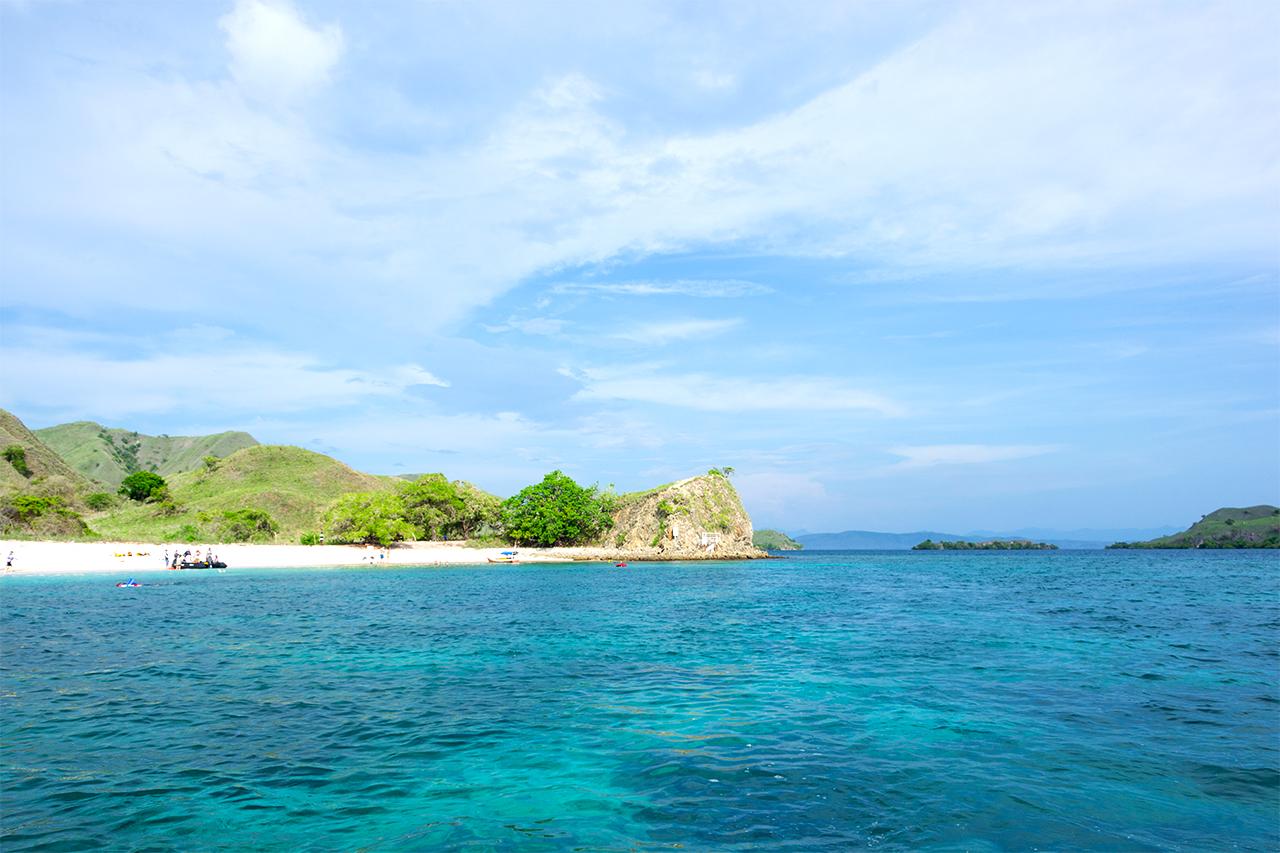 розовыи-пляж-индонезия-03
